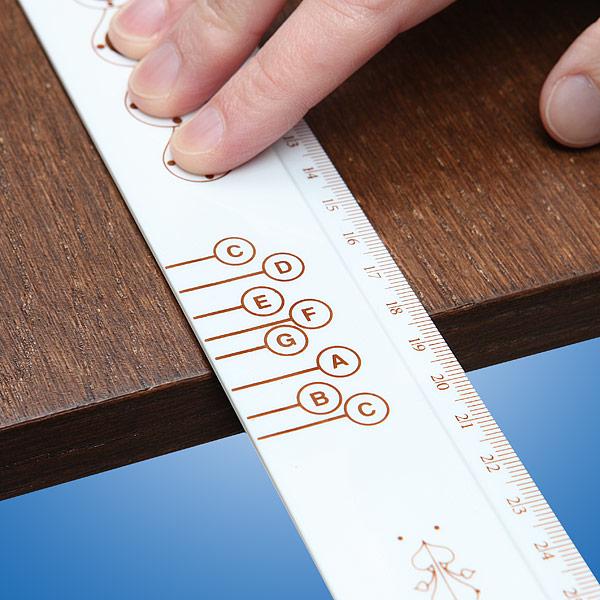ビロ~ンを弾いて音楽を奏でられるユニークな定規『Musical Ruler with Songbook』