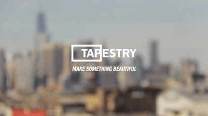 タップでストーリーを展開していく紙芝居風のスライドサービス『Tapestry』