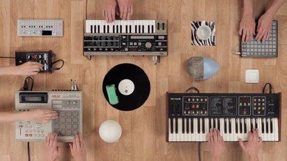 サンプラーをモチーフにしたクリエイティブなミュージックビデオ